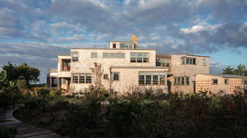 バウハウス創設から100年-モダンでラグジュアリーな建築デザインに今なお大きな影響を及ぼす